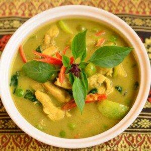 Gaeng Kiew Waan Kai (Groene Curry met Kip)