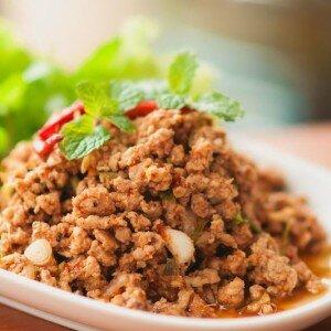 Laab Moo (pittige thaise salade met varken)